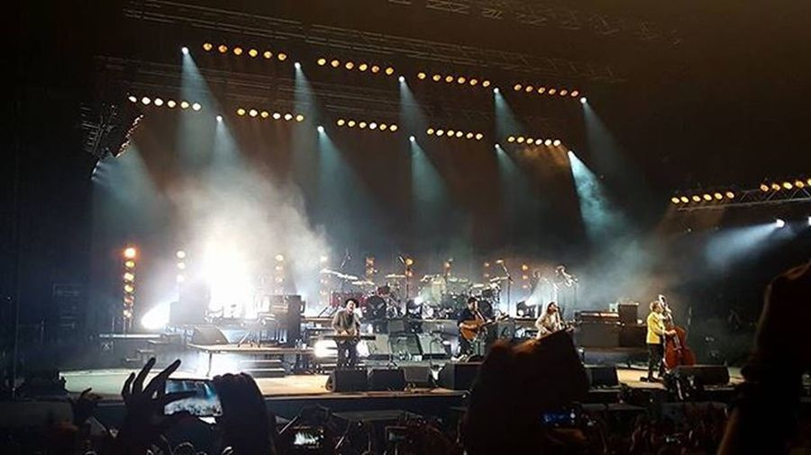 """""""It's not the long walk home that will change this heart, but the welcome i receive with every start""""-mumford & sons 🍍 🍍 🍍 Nofilterneeded Takemeback Memories Rollawayyourstone Absolute_excellence Stage Marcus_mumford Bestmoments Follow4follow Instalike 2016 Instagram"""