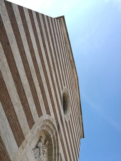 Church Architecture Striped Geometric Lines Low Angle View Sky Smartphone Photographer Particolari