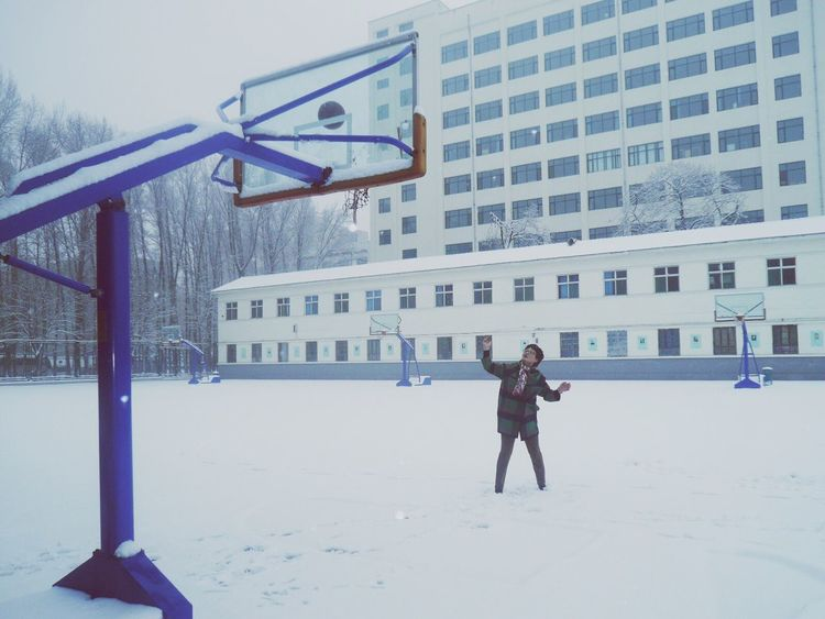 My Year My View Basketball Is Life Basketball In The Winter Firstsnow2016 Snow ❄ Basketball Practice Mather Photographer Moments Mommy Mom Moments Of Life Mom ❤ Happy :) Snow Basketball Game Basketball ❤ White Snowy Days... Snowing Snow Covered Snow Sports Snow Day