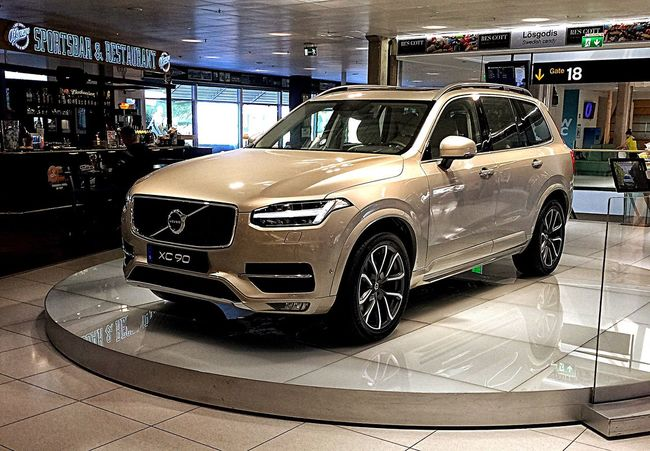 Xc90 Volvo Volvocars Car Transit Sweden Colors Design Quality Check This Out IndoorPhotography Rims Indoor Photography Indoors  Landvetter Airport Ondisplay Display Stationwagon Luxury Station Wagon Expensive Veichle Taking Photos Showcase May Iphonephotography
