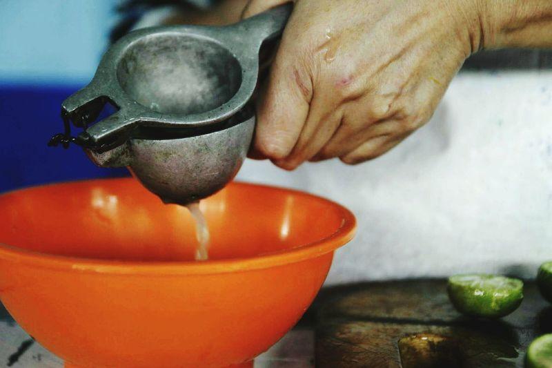 People Cooking Cook  Lemon Lemos Fothografi Fothograf Feistygirls Criaturitas Adult Love ♥ Responsibility Dindinglove