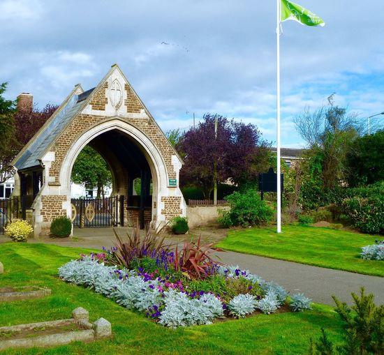Cemetery Architecture Built Structure Building Exterior Flower Plant Lawn Arch Cloud - Sky Growth Outdoors Landscaped Day Sky Footpath No People Freshness Beauty In Nature Scenics Façade Wildflower Vandyke Cemetery Leighton Buzzard Anglia In Bloom Green Flag Award