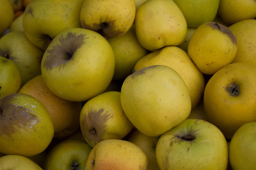 Apple Green Green And White Yellow Apple Abundance Backgrounds Close-up Day Food Food And Drink For Sale Freshness Fruit Full Frame Healthy Eating High Angle View Large Group Of Objects Market Market Stall No People Outdoors Retail  Supermarket
