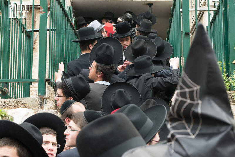 Black City Life Crowd Day Israel Large Group Of People Orthodox Spider