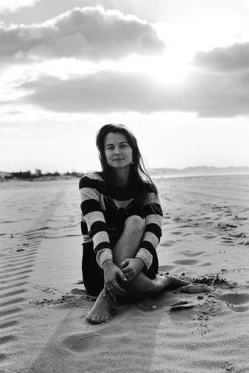 The Portraitist - 2018 EyeEm Awards Beach Beautiful Woman Beauty Cloud - Sky Leisure Activity Lifestyles One Person Portrait Real People Sea Sky Water