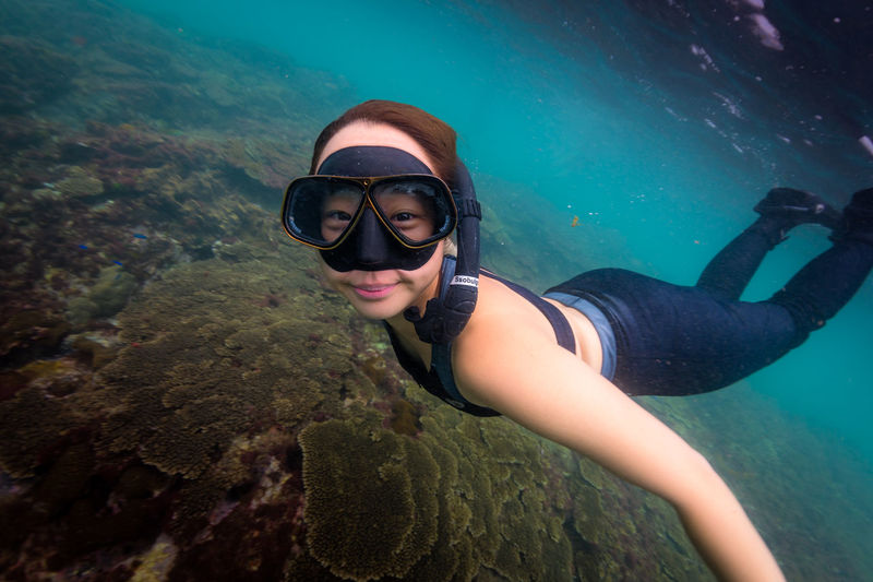 japan Water Sea Underwater Real People Leisure Activity One Person Adventure Lifestyles UnderSea Exploration Sport Nature Young Adult Aquatic Sport Rock Young Women Scuba Diving Solid Outdoors Underwater Diving Eyewear International Women's Day 2019