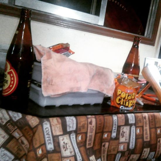 Chill kwentuhan kulit with papa p :) Redhorse Chill