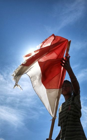 benderaku Red Cheerful Blue Standing Holding Flag Happiness Sky