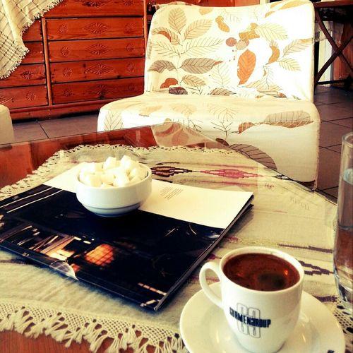 would you like a coffee :) Coffee Gang_family Eye4photography  Sağlığımıza Dikkat E D E L I M ! ¡  Bu Fotoğraf Mesaj Kaygısı Taşımaktadır