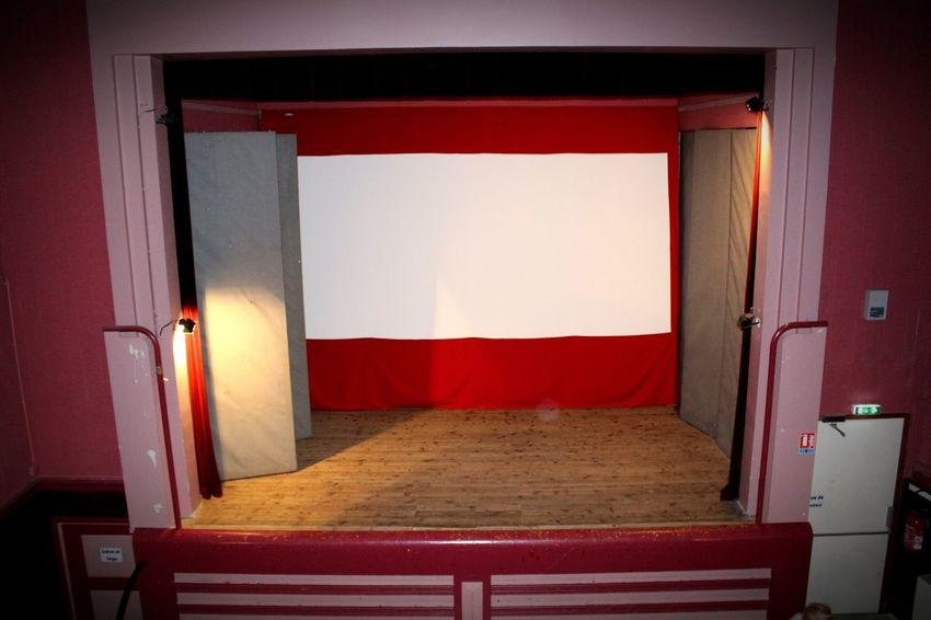 Red Indoors  Theatre Vintage Cinema Ciné Lampes Scene