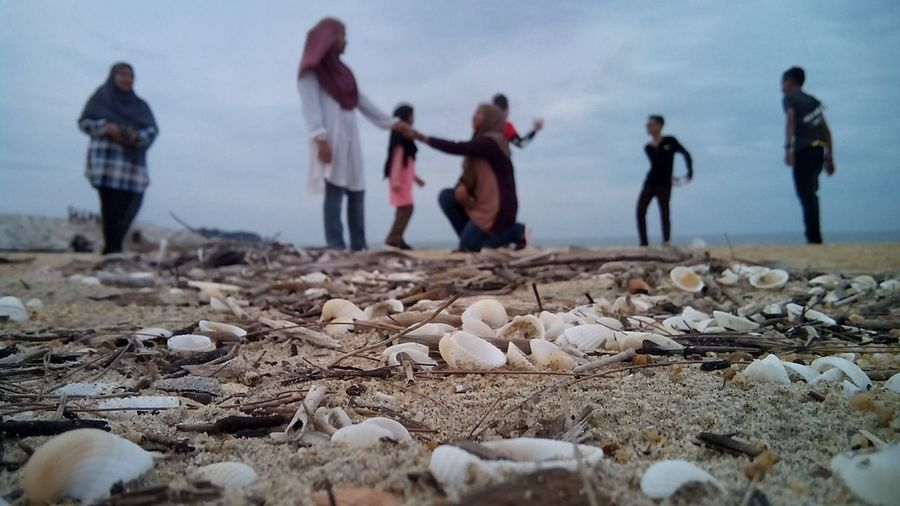 a lot of happiness 😊 Beach Seashells, Sand And Water Skyscape Men Women Beach Friend