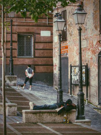 Shoot, Share, Learn - EyeEm Genova Meetup Street Lamp Monday Streetphotography Sleeping