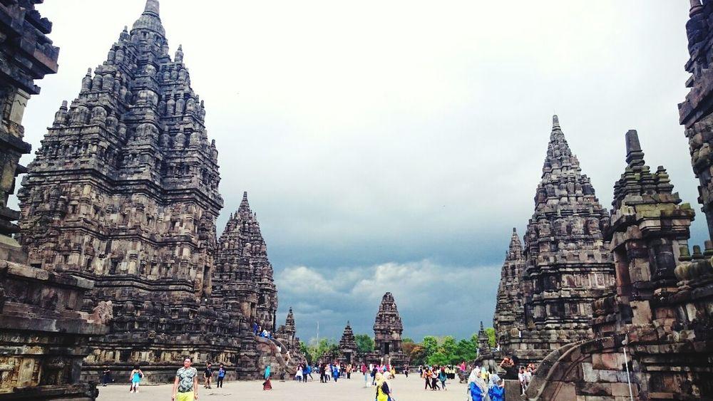 Taking Photos Hello World Prambanan Temple, Yogyakarta Yogyakarta, Indonesia Wonderful Yogyakarta INDONESIA