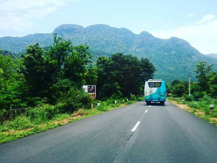 Remembering Road trips 🚗 🌄 Travel Car Traveling Throwback South India Mountain View Remember Vacation Visiting Green Instatravel Instago Instagood Trip Holiday Photooftheday Fun Travelling Tourism Instatraveling Mytravelgram Travelgram Travelingram igtravel landscape instadaily vsco