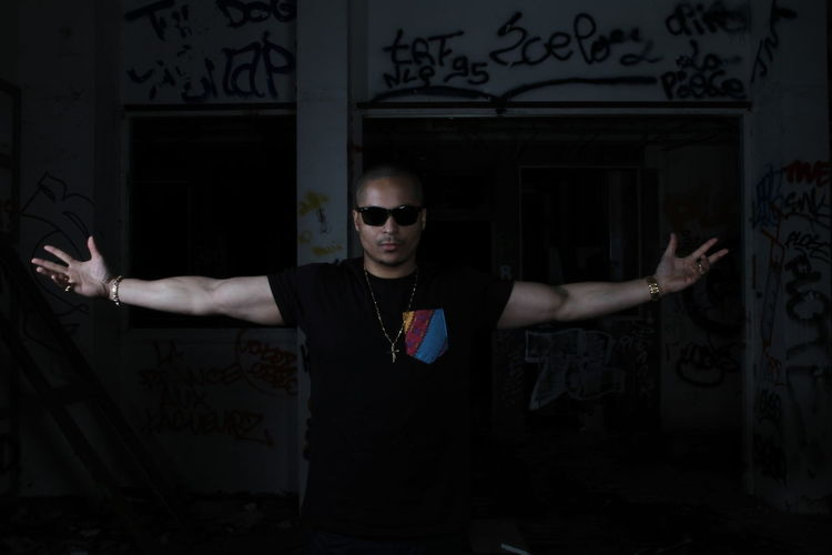 Autopsyprod X urban kingz tshirt Fashionwear Livinglife #mensfashion #streetwear #curlyhead #hermes #gold #armcandy #denim