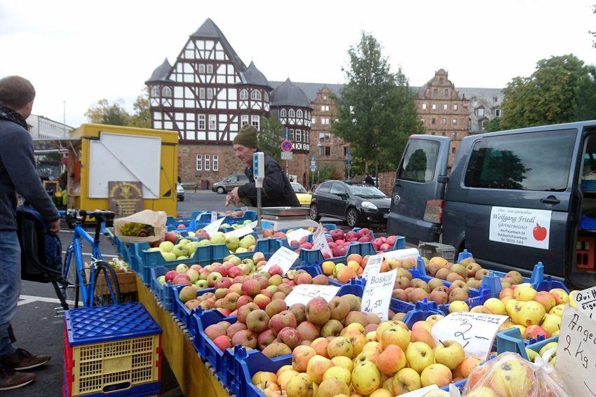Wochenmarkt... Fruit Market Outdoors People Food Autumn Sony Xperia Sony Xperia Z5 Compact EyeEm Best Shots - The Streets EyeEm Deutschland Freshness City