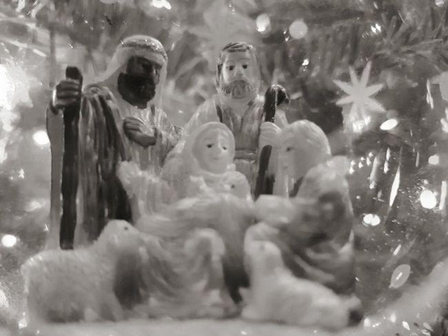 Cold Temperature Close-up Statue Best Of EyeEm Bestsellers Child Wisemen Manger NativityScene Nativity Figurine Bulb Holiday Christmas xmas EyeEmNewHere
