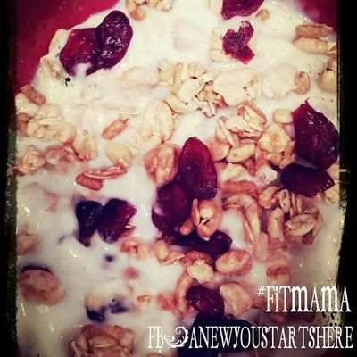 Protein Fiber one Cranberry Almond granola with Greek Vanilla yogurt Preworkout meal FITMAMA Fitness Loseweight LOVEMYJOB ENERGY PUMP Www.FACEBOOK.COM/ANEWYOUSTARTSHERE