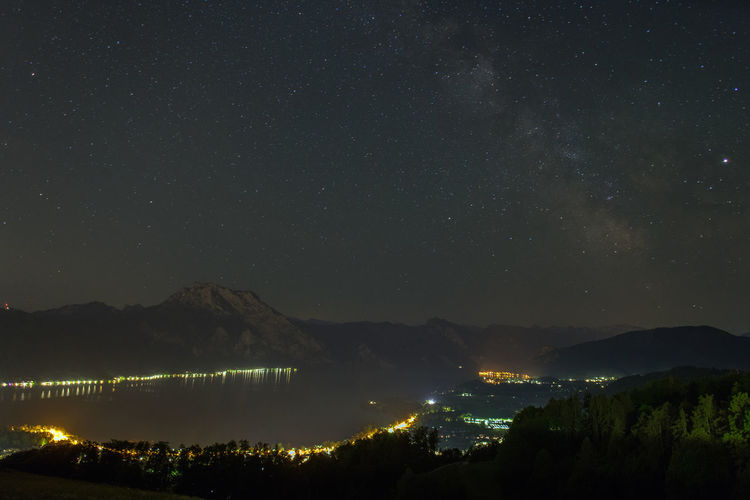 Nachtfotografie Nachtaufnahme Nachthimmel Sternenhimmel Salzkammergut Traunsee Night Scenics - Nature Sky Mountain Star - Space Beauty In Nature Illuminated Space Astronomy Mountain Range Nature Tranquil Scene No People Tranquility Water Idyllic Star Environment Architecture Outdoors