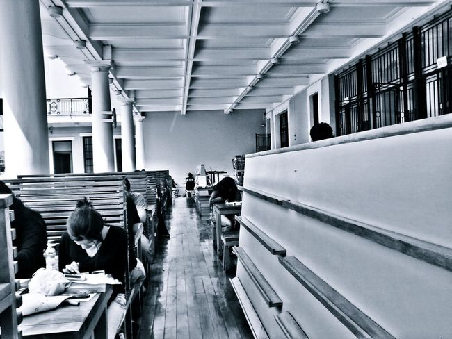 Places Spaces People Library Biblioteca Bibliotheque Reading Time Studying Quiet Places Quiet Time Harmony Human Condition Black And White Monochrome From My Point Of View Perspective Light And Shadow Our Best Pics Exceptional Photographs EyeEm Best Shots Popular Photos Capture The Moment