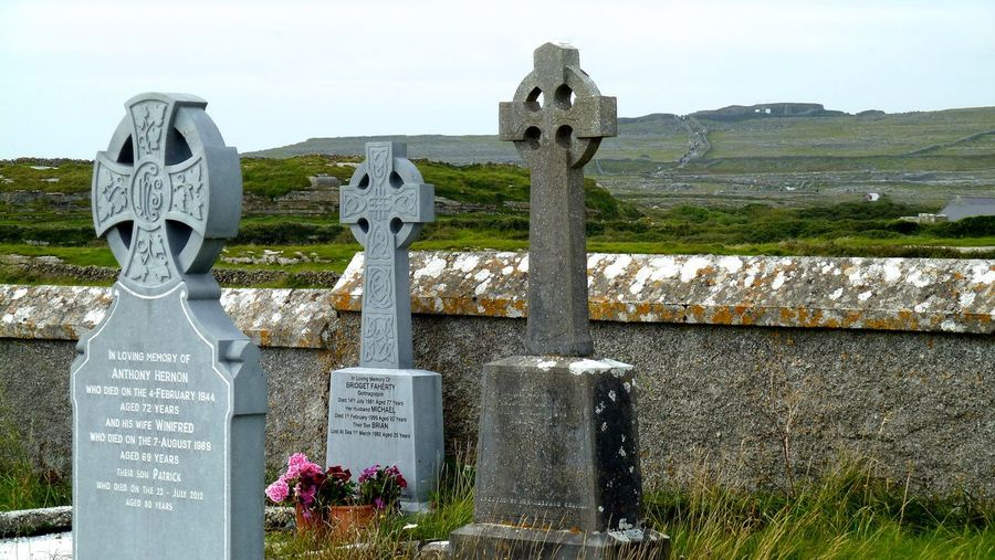 Ancient Civilization Aran Aran Inseln Aran Islands Cemetery Cross Friedhof Gräber Ireland Irelandinspires Ireland🍀 Irland Kreuze Memorial Old Religion