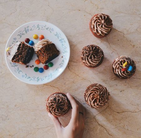 Homemade chocolate cupcakes. Art Getting Inspired Photography Getting Creative Dessert Food Porn Foodie Foodphotography Foodporn Dessert Porn On The Table Desserts Food Photography EyeEm Best Shots Product Photography Food Photographer Food Sweettreat Homemade Baking Cupcakes
