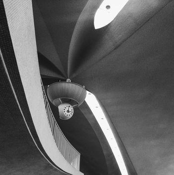 JFK Int'l Airport / TWA Flight Center / Saarinen Architecture Modern Architecture IPhoneography EyeEm Best Shots Eye4photography  NYC JFK Airport Airport Saarinen Clock Black And White EyeEm Best Shots - Black + White