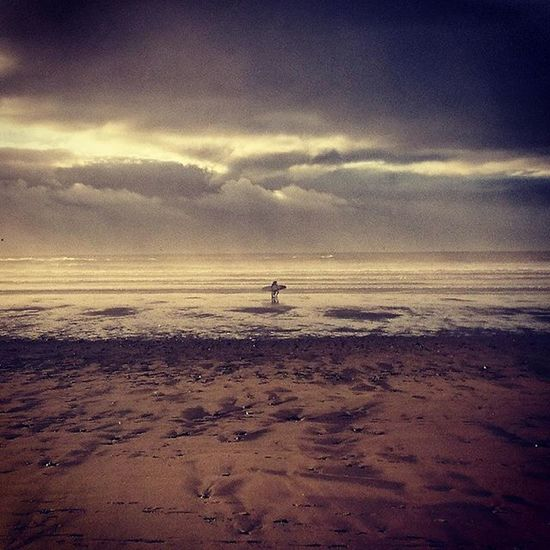 Post surf under gray skies... Surf Surfing Grayskies ColdWaterSurf Coldwatersurfing Gowerpeninsula