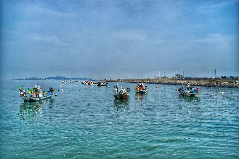 항구 아름다운 항구 형형색색 여우로운 Water Nautical Vessel Oar Rowing Sea Sky