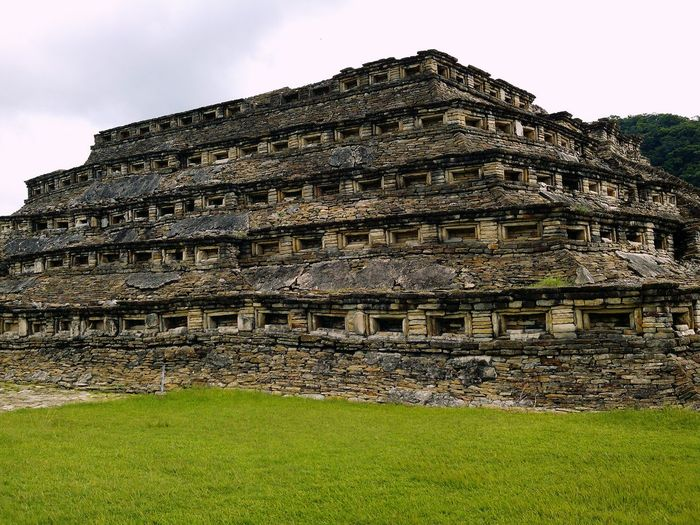 Tajin Tajin Veracruz Travel Destinations History Architecture Piramid Piramide Papantla, Veracruz, México Leica Huawei P9 The Great Outdoors - 2017 EyeEm Awards Huawei P9 Leica Oo Green Color 2017 Eyeem Awards Captureonp9 Rural Scene Ancient Civilization Landscape Outdoors No People Building Exterior Day EyeEmNewHere