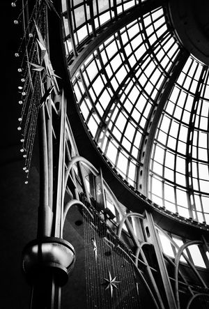BLACK AND WHITE SHOT LOOKING UP AT GLASS DOMED CEILING IN CASINO IN NIAGARA FALLS ONTARIO Architecture Blackandwhite Blackandwhite Photography Built Structure Casino Close-up Day Glass Dome Hanging Indoors  Low Angle View No People The Architect - 2017 EyeEm Awards