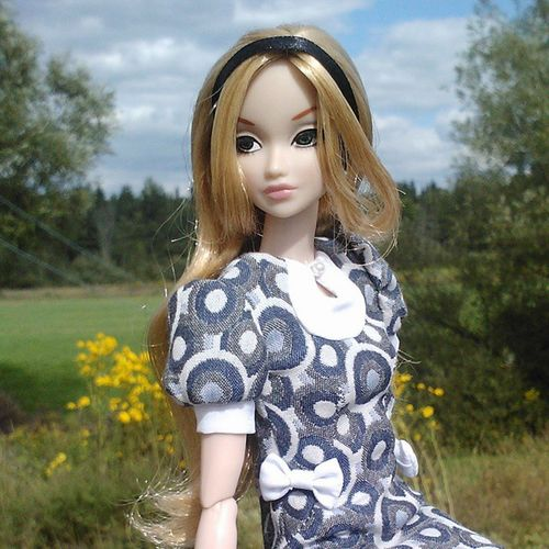 Another TBT  pic that I never got around to posting... FRNippon YeYeAmelie Doll framed by some lovely Quebec countryside in the summer of 2012 . ********** Doll Dolls Dollstagram DollPhotography Dollphotogallery Toy Toys Toycrewbuddies Toyphotogallery Toygroup_alliance Toyartistry Toyphotography Toycrewbuddies Toyplanet Toys4life Toyslagram Toyplanet Toyrevolution Integritytoys JasonWu FashionRoyalty FashionRoyaltyNippon Amelie instahub instagramhub
