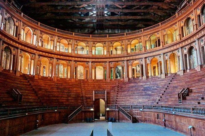 *Teatro Farnese * A Baroque -style theatre in Parma, Italy Teatrofarnese Ig_parma Ig_emiliaromagna Baroquestyle Theater Ig_italy