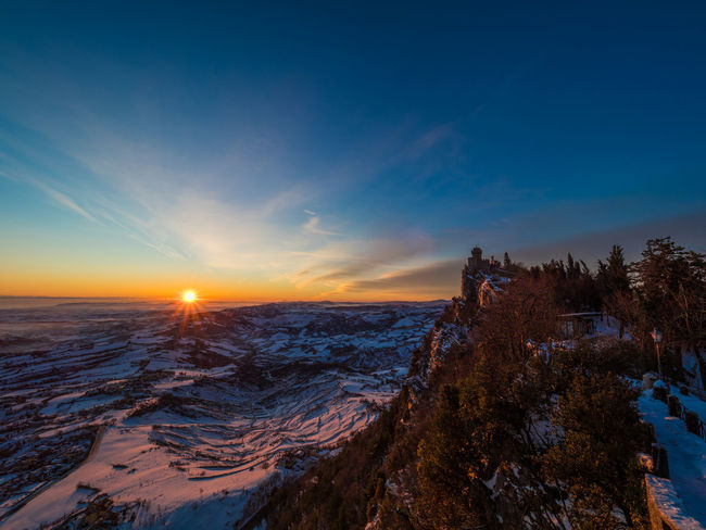 OM-D Sun Marino Sunlight Sunny Sunrise Silhouette Sunrise_Collection Em-1 Mk2 Hill Mountain Sun Sunbeam Sunrise Sunrise_sunsets_aroundworld Sunset #sun #clouds #skylovers #sky #nature #beautifulinnature #naturalbeauty #photography #landscape Sunshine
