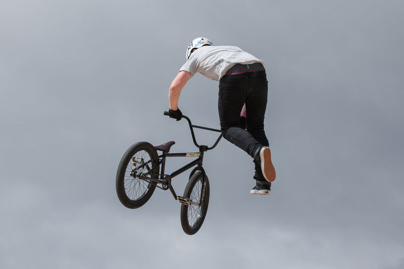 BMX stunt riders in competition Adrenaline Adrenaline Junkie Aerial Bicycle Bike Bmx  BMX Contest Bmx Is My Life BMX ❤ Bmxlife Carefree Cycling Extreme Sports Flying Full Length Leisure Activity Liverpool Mid-air Rider RISK Sky Stunt Stunts Young Adult