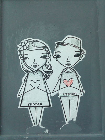 Love in Porto Portugal Porto Streetart Streetart/graffiti StreetArtEverywhere Love Paper Love Close-up Costah