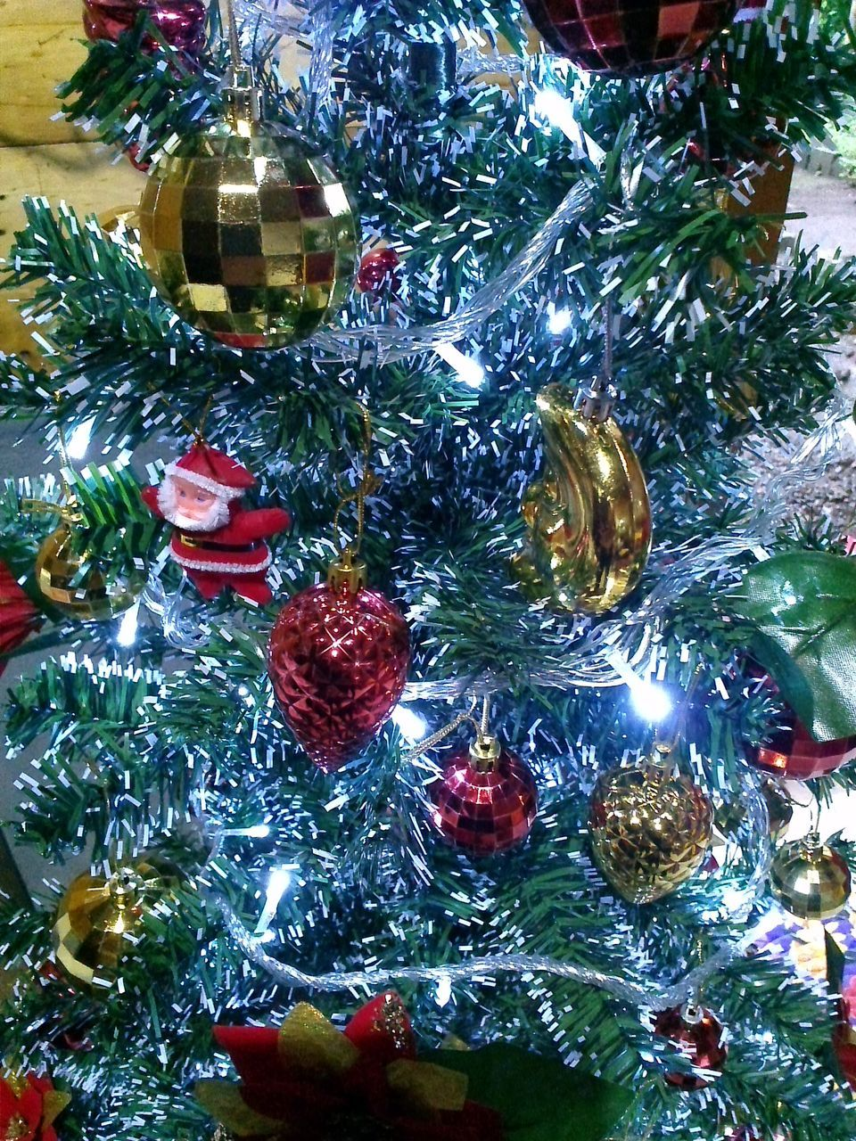 christmas, christmas tree, celebration, christmas decoration, tradition, christmas ornament, decoration, holiday - event, bauble, cultures, vacations, indoors, celebration event, tree, no people, christmas lights, hanging, close-up, day