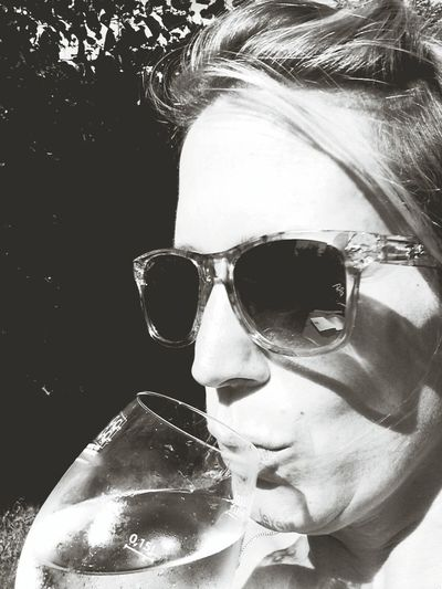 Have A Drink With Me Cheers! Love the Capa Filter :)) Selfie Wine Not That's Me! Retro Blackandwhite Summer Wine Wine Moments White Wine Life Is Good! Life Is A Beach Summertime
