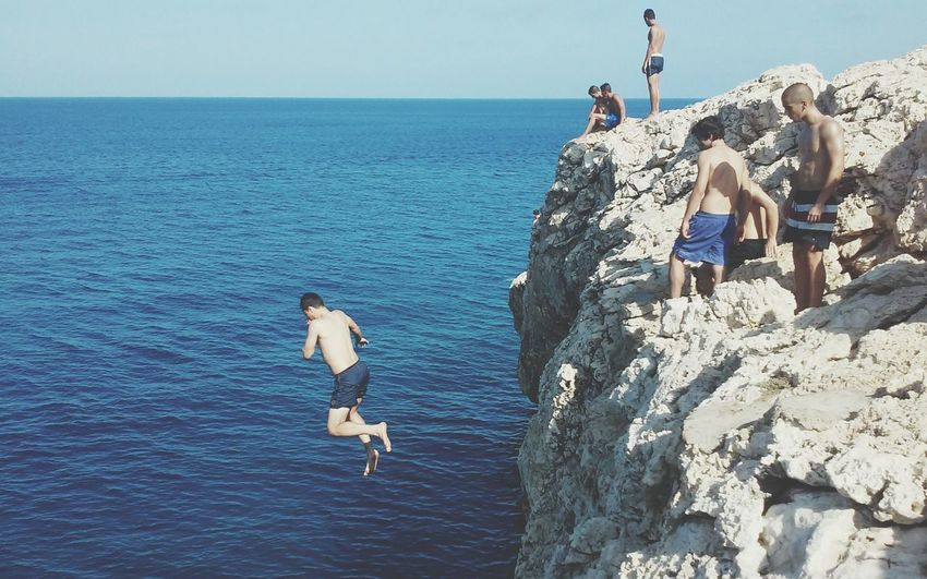 Adventure Jumping Cliff Horizon Over Water Sky Cliff Jumping Sea People Island Cliff Diving