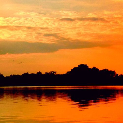 Night shift Sunset Naturelovers Nature_collection Water Tadaa Community Creative Light And Shadow Nature Water_collection EyeEm Nature Lover Lake Evening Sky Taking Photos Enjoying Life Fall Beauty Landscape Colors
