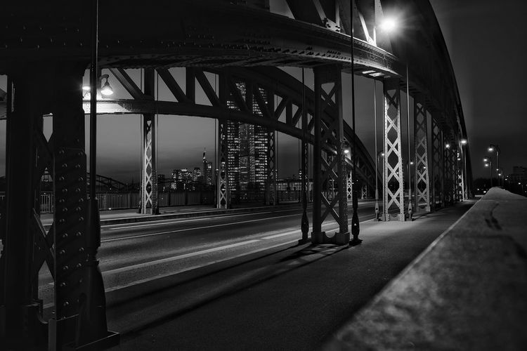 Honsellbrücke Frankfurt am Main Honsellbrücke Frankfurt Architecture Built Structure Night Cityscapes_collection Skyscapes Sky_collection Skyline Frankfurt Frankfurt Am Main Frankfurt City  Frankfurt Architecture Cityscape Urban Skyline Black And White Black & White Monochrome Photography Monochromatic Monocrome Photography Cityscape Photography Monochrome Brücke Brücken Bridge Bridges Bridge - Man Made Structure Black And White Friday