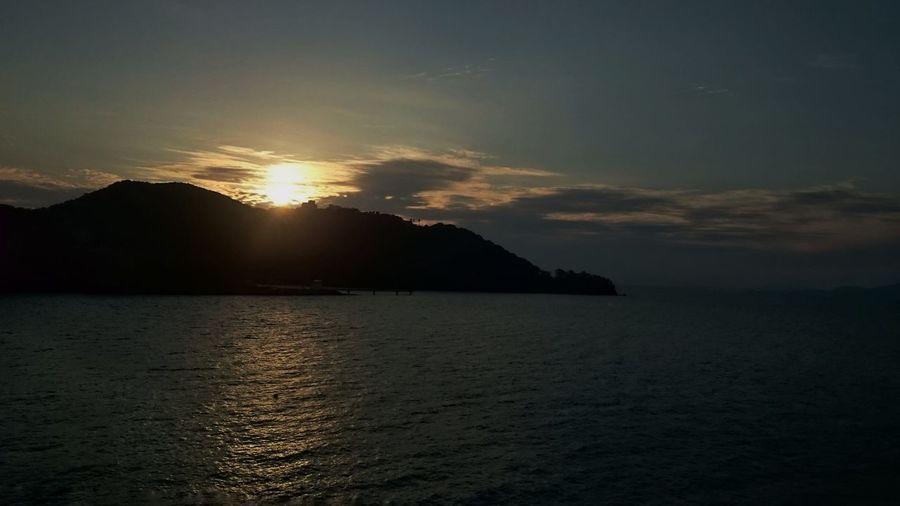 MerryChristmas Sunset Reflection Travel Destinations