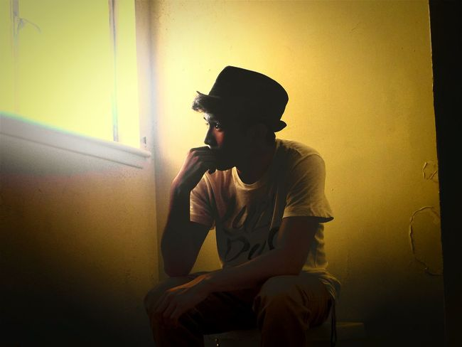 Time passing by... Thinking Hi! Relaxing That's Me Bloop Photography Hat Sunlight Sunlight ☀