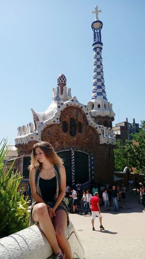 I'm a part of this amazing view.. I'm honoured ☺😘 Parc Guell Gaudi Buildings Bcn Girl That's Me! Sitting Outdoors Beautiful Day EyeEmNewHere