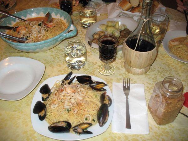 Italian feast with my paisanos Nomnombomb MyExoticFriends ExpensiveWinos Yummy♡