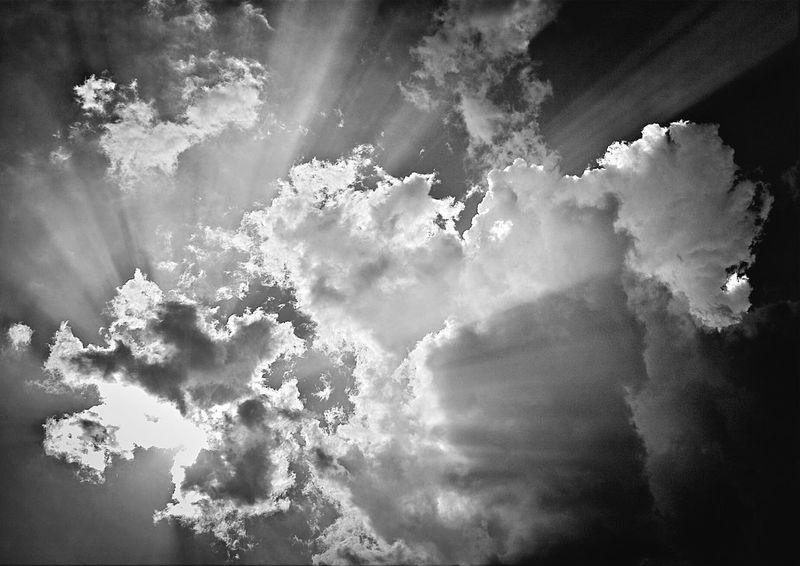Clouds Blackandwhite The Illuminator - 2014 EyeEm AwardsHimmel am Tempelhofer Feld