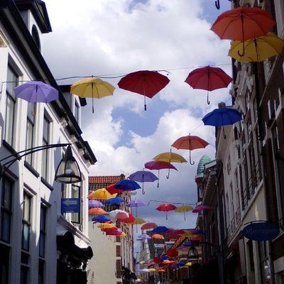 Gezellig al die paraplu's boven je hoofd Streetview View Umbrellas Deventer Beautiful