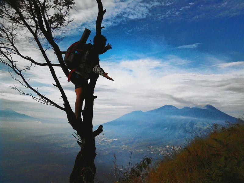 Living Bold Mountains Hikingadventures Siluet Hunting Wonderful View Mtpenanggungan