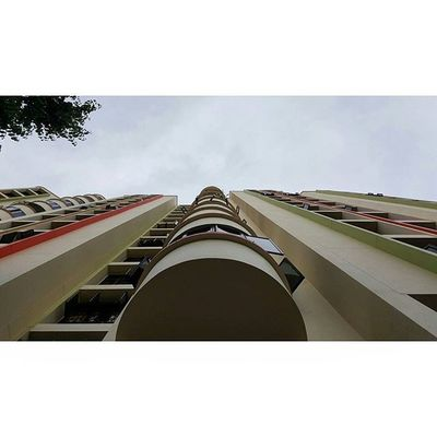 It was cloudy. Usandtripod Ekya 3layersphotography Singapurastreets Streetmediasg Salutstory Lifephotocomp2016 Lioncitymisfits Way2ill Agameoftones Citykillerz Gf_singapore Global_family Designtodaysg Samsung Note5 Samsungnote5 Ikutcarakita Lifephotocomp2016 Loves_singapore Leagueofshooters ExploreSingapore Thisissingapore Sgig Killergrams singapura hdb
