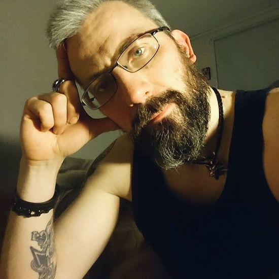 Sitting on the edge of my bed trying to wake up for work. Sds for @sthrntatted_27 play along Beardsandtattoos Greyhair  Bpdfam Bearded Beardporn Uk Beards Beard Pognophiles Smile Beardgame Beardandcompany Beardedmen Beardlovers Thisishowiwakeup Instabeard Motörhead Livetowin Metalhead Volbeat ACDC Bedtime Aceofspades Morning